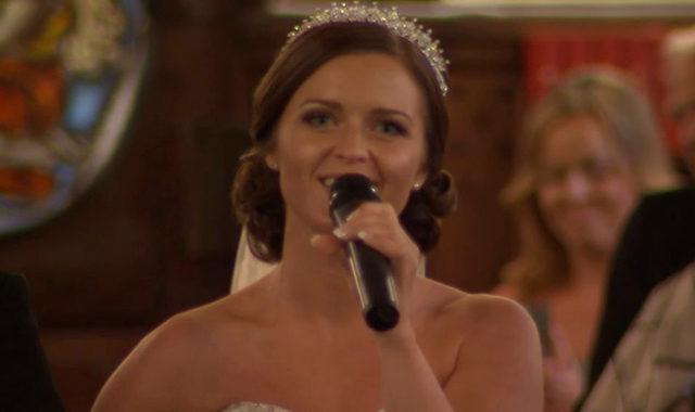Невеста моментально удивила всех. Незабываемое венчание…