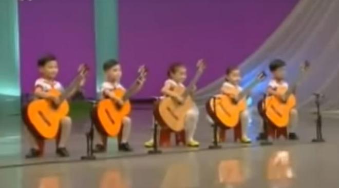 """Вот так интересно исполнили легендарную """"Мурку"""" корейские дети. Очень круто…"""