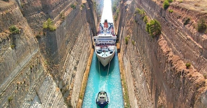 Этот судоходный канал является самым узким в мире, а строили его 2,5 тысячи лет…