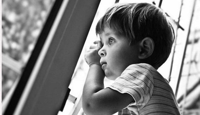 Девушке дали выбрать самой ребёнка на усыновление. Ответ очень поразил заведующую детдома…