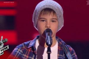 Мальчик покорил весь зал песней «Солдат» . Даже судьи вышли спеть вместе с ним